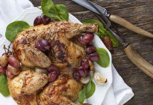 עוף אפוי בתנור עם ענבי טלי