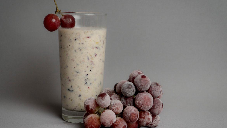שייק ענבים קפואים