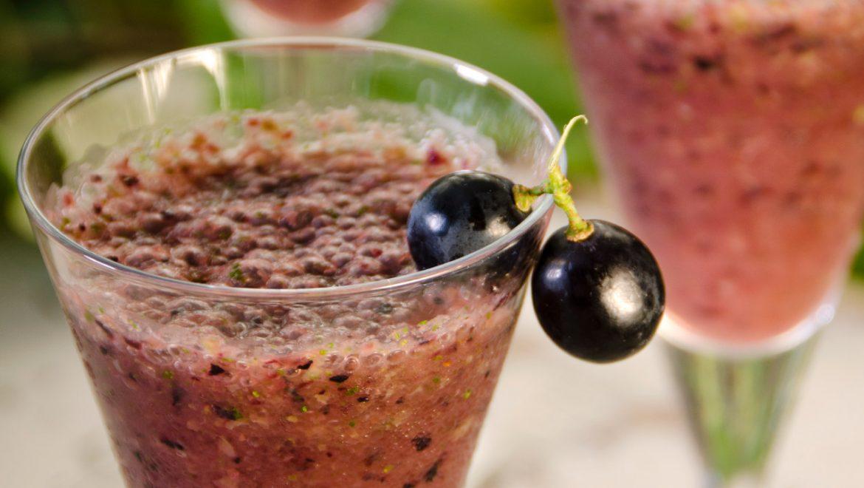 גספצ'ו ענבים עם כוסברה וצ'ילי