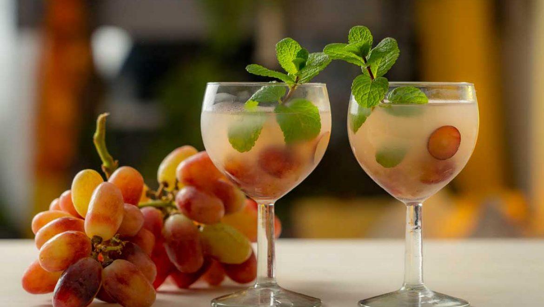 קוקטייל אוזו וענבים